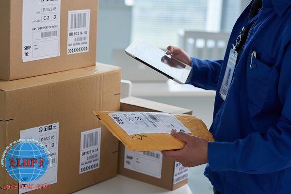 Dịch vụ vận chuyển quốc tế Long Hưng Phát chất lượng - giá rẻ