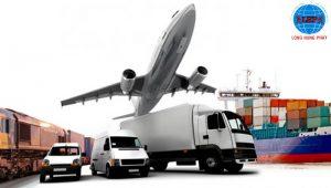 Sau khi đã đóng gói và phân loại theo địa chỉ, nhân viên sẽ tiến hành vận chuyển hàng hóa