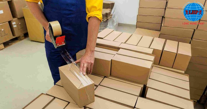 Kỹ năng đóng gói, xếp hàng của nhân viên được đào tạo cẩn thận