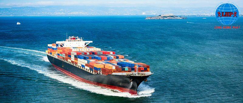 Vận chuyển bằng đường thủy nhanh chóng và tiện lợi