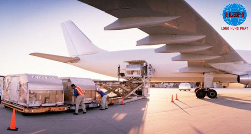 Các loại sản phẩm được làm từ các chất liệu dễ vỡ đều được đóng gói cẩn thận trước khi vận chuyển