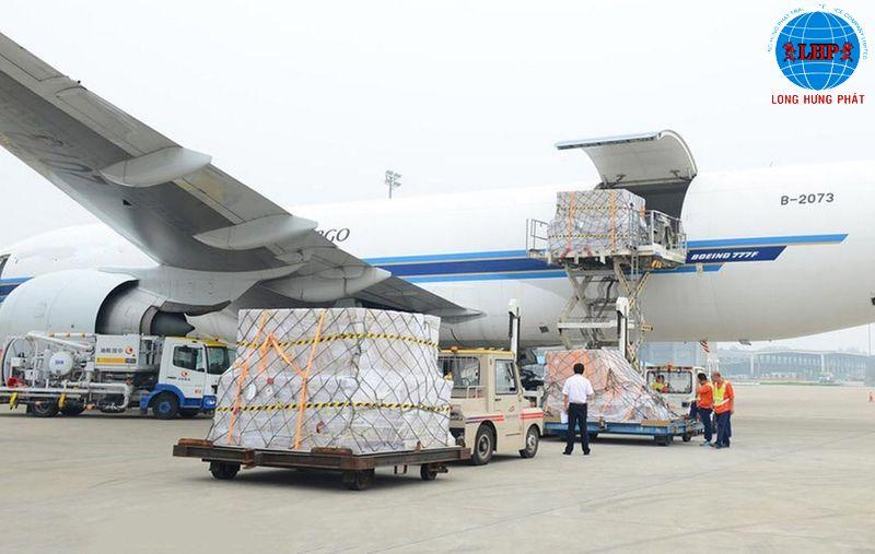 Sau khi hoàn tất thủ tục sẽ tiến hành vận chuyển hàng hóa