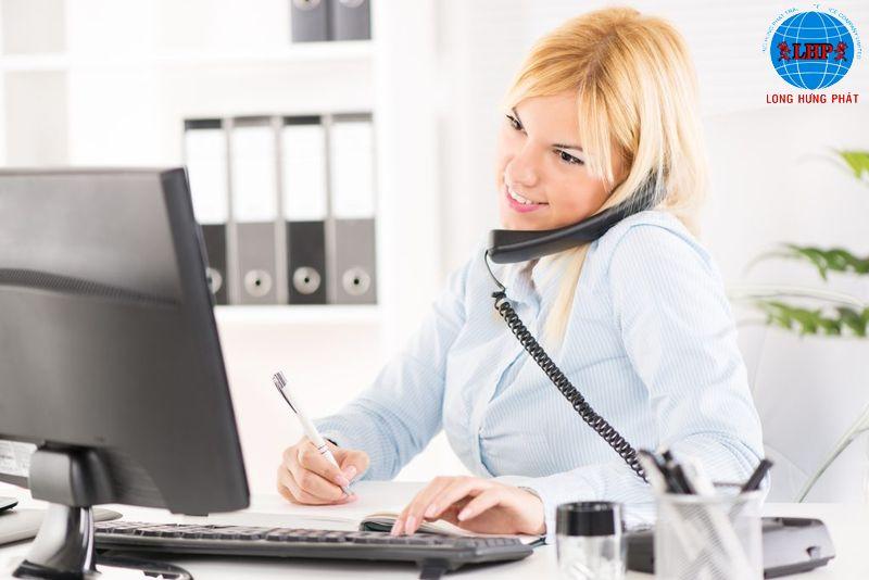 Tiếp nhận thông tin khách hàng qua điện thoại