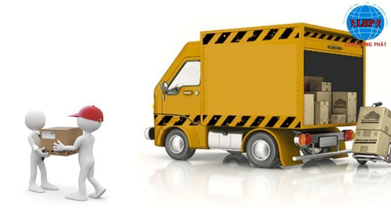 Vận chuyển hàng hóa đến kho để làm thủ tục thông quan